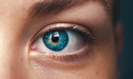 Oční vady nejsou na první pohled v oku zpozorovatelné.